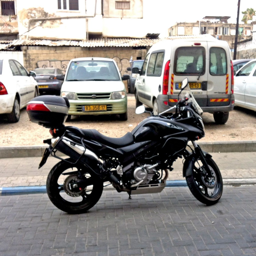 moto-parking-rotem-peri-lask