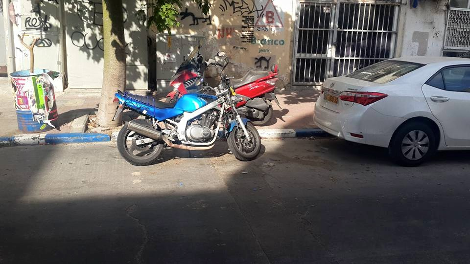 moto-parking-saby-fridman