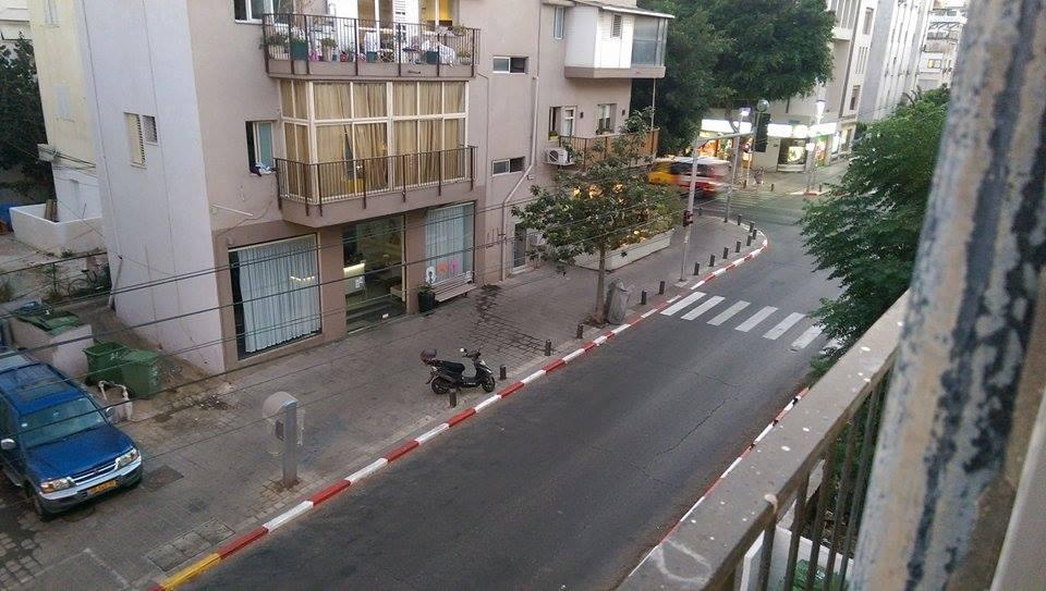 moto-parking-chains-gilad-garon-2